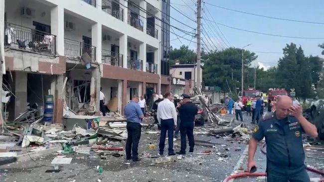 ff1bdc3ca6b4d4b16f1638b461ed2 ВГеленджике взорвалась гостиница, погибли два человека