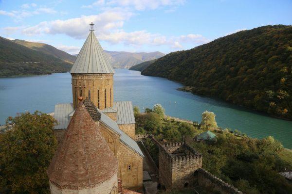 Грузию за 11 месяцев посетили более 3 млн туристов