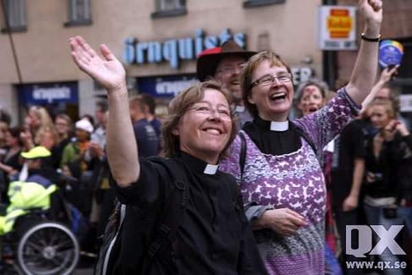 """У Швеції """"єпископ""""-лесбіянка хоче зняти хрести, щоб """"не ображати мігрантів"""""""