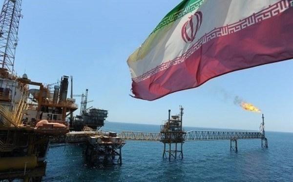 Иран винит саудовцев в манипуляции нефтяным рынком: Они хотят нашу долю