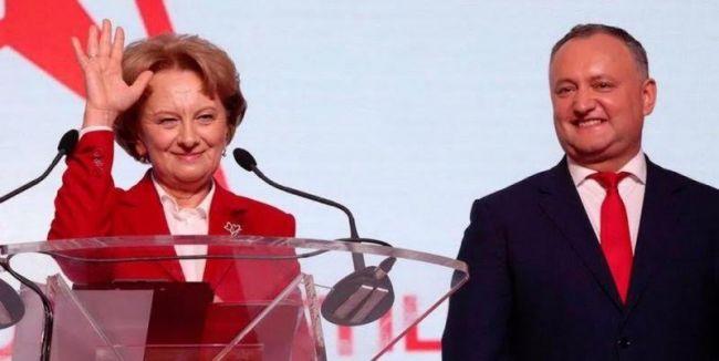 Президент Молдавии возглавил предвыборный штаб социалистов