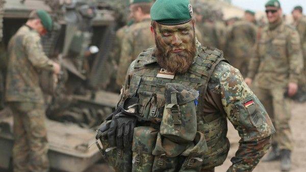 Уполномоченный Бартельс ВС Германии скудно оснащены и