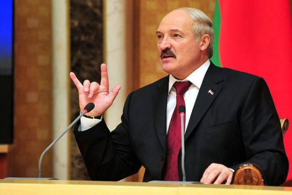 Лукашенко собирается оградить пользователей Интернета от деструктивной информации