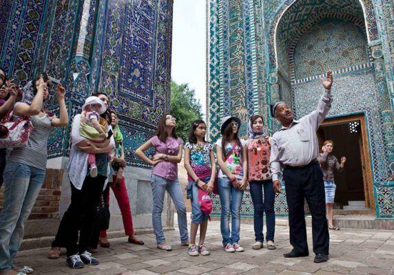 Поток российских туристов в Узбекистан за год увеличился в 1,3 раза