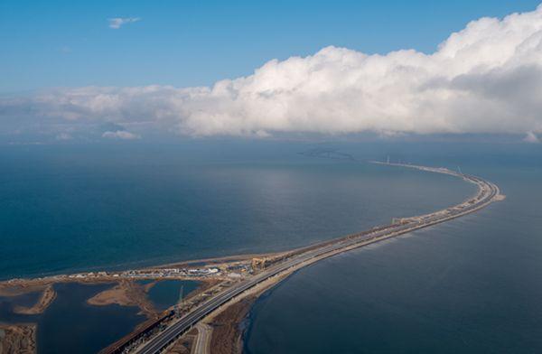 """По мосту """"призраку"""" проехали пять миллионов автомобилей и автобусов. А Украина называет очередную"""