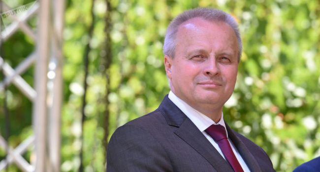 Мыидем зажизнью плечом кплечу сАрменией: интервью спослом России вЕреване